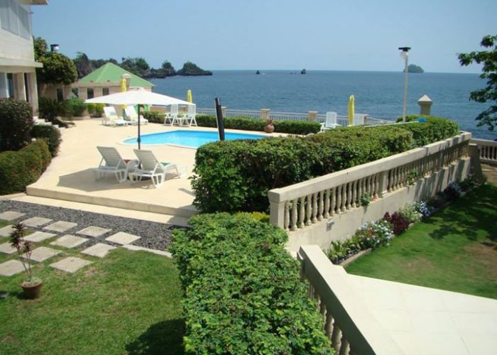 Bota Beach House: Maison d'hôte à Limbe (Vue sur mer)