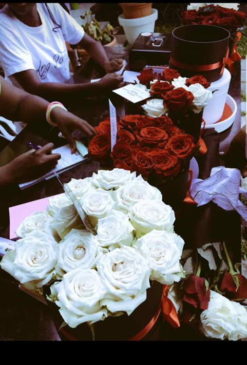 House Of Rose Evenement - Les Marches d'Elodie - Douala